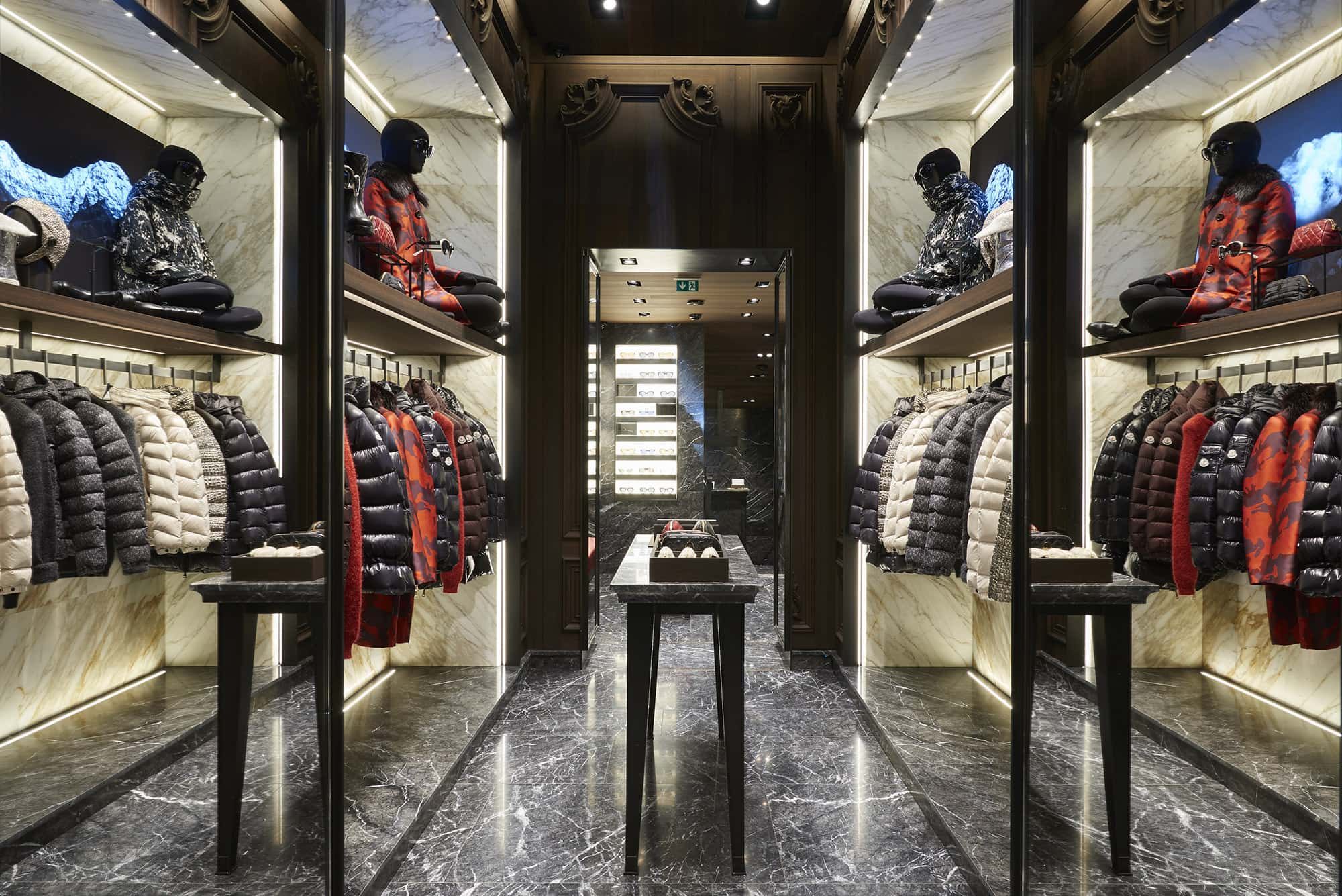 moncler magasin bruxelles. Black Bedroom Furniture Sets. Home Design Ideas